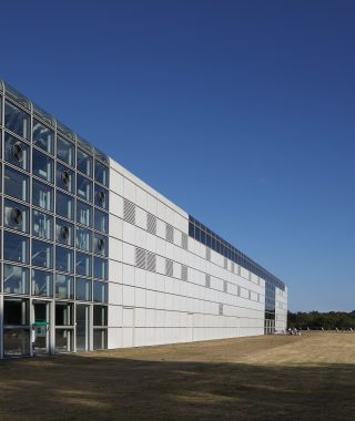 Sainsbury_Centre_south_elevation